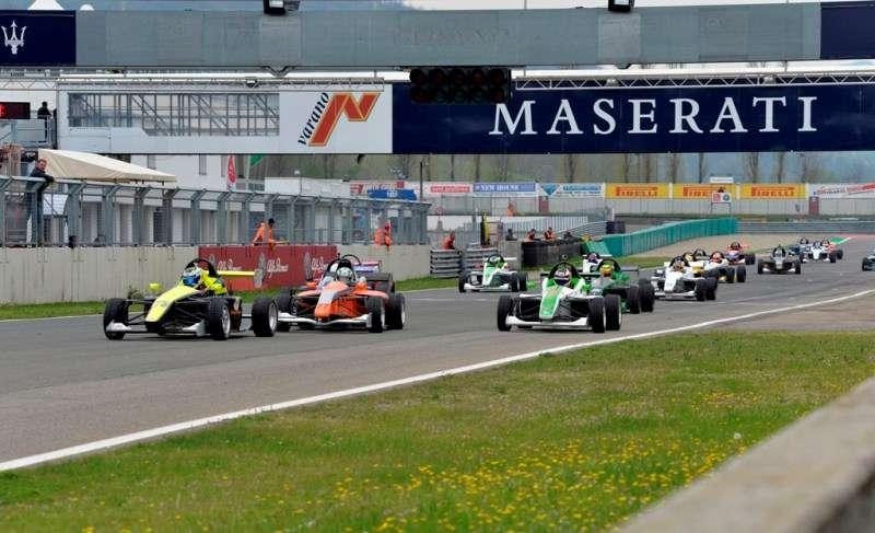 Autodromo Varano Calendario 2020.Formula X Italian Series Grande Successo A Varano Per La