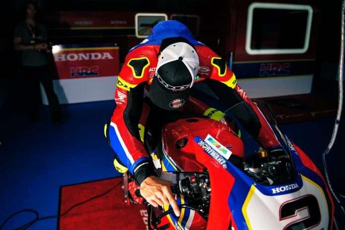 SBK Leon Camier Honda 1