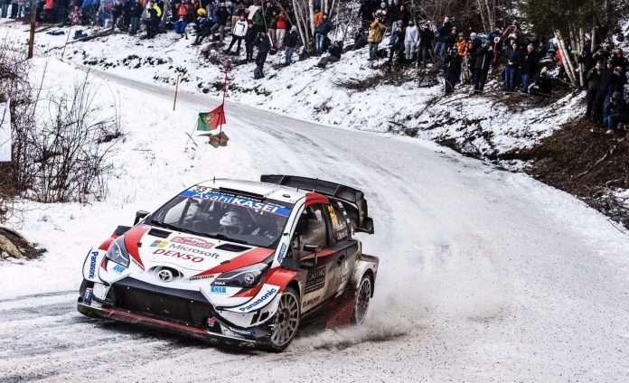 Elfyn Evans, su Toyota Yaris, torna leader del Rally di Monte-Carlo