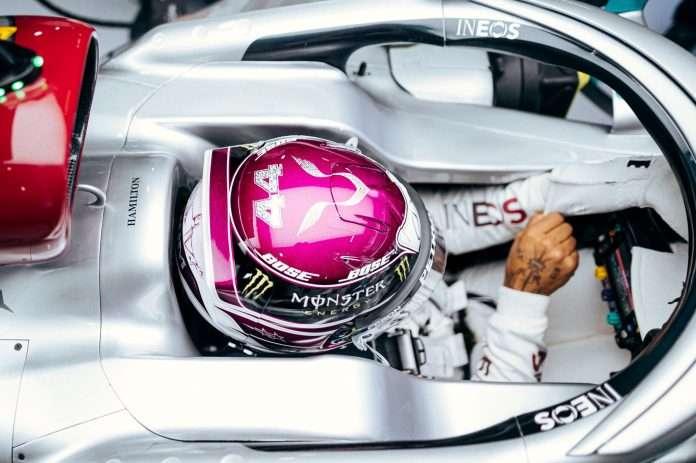 L'abitacolo della Mercedes W11 di Lewis Hamilton incriminato della soluzione illegale
