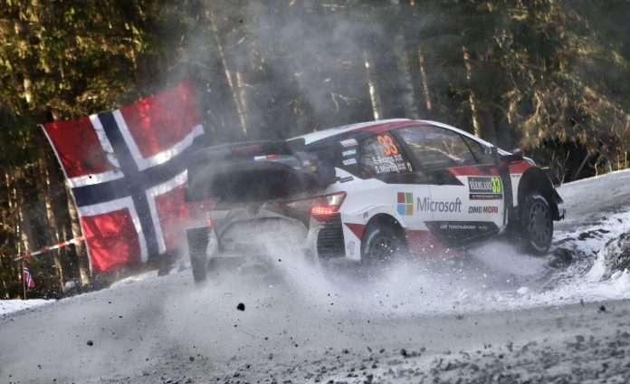 Un sempre più solitario Evans, su Toyota, si avvia verso al successo del Rally di Svezia