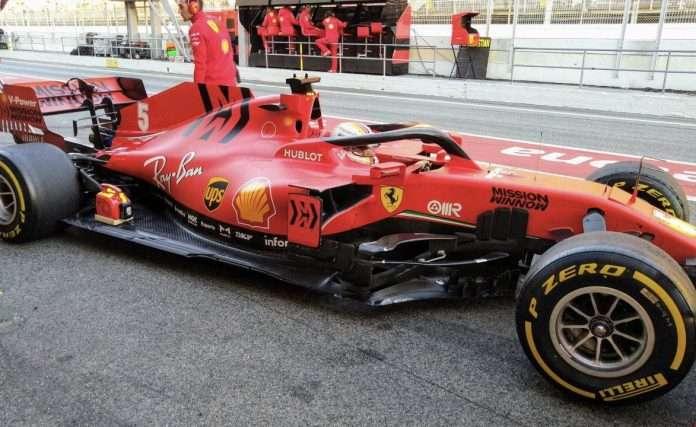 Vettel alla sua prima presa di contatto con la SF1000