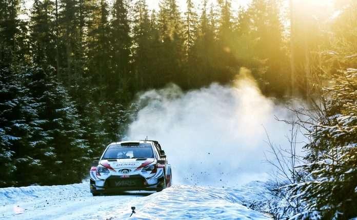Evans, su Toyota Yaris, comanda i giochi nella prima tappa del rally di Svezia