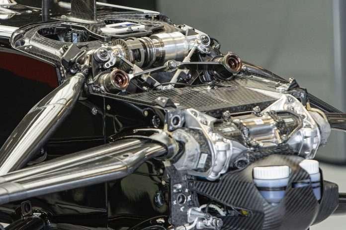 La scatola dello sterzo della Mercedes: l'oggetto del mistero di questo 2020