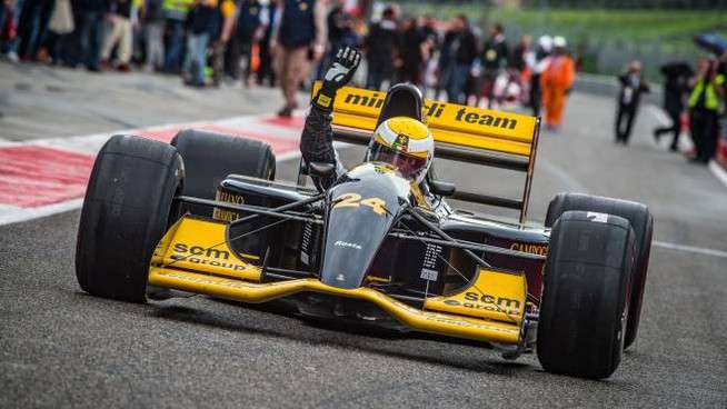 Gian Carlo Minardi, fondatore dell'omonimo team, porta in pista una sua creatura
