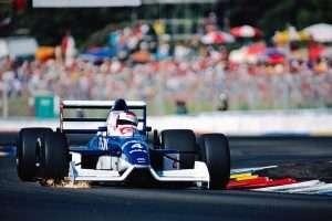 Tyrrell 019 - Ford in azione con Jean Alesi