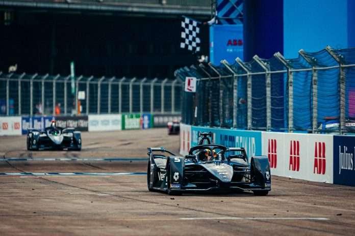 Vandoorne Mercedes formula e berlino