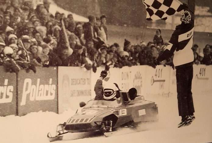 Gilles Villeneuve e motoslitte