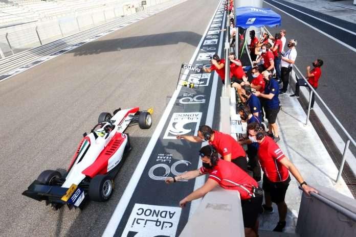 Zhou vincitore ad Abu Dhabi