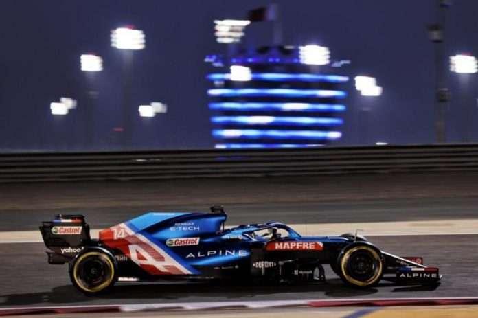 Fernando Alonso, ritirato per problemi ai freni