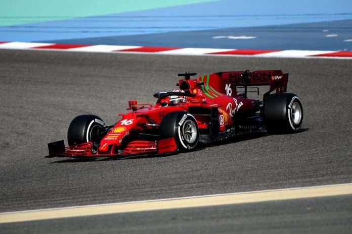 La Ferrari di Leclerc nella sessione pomeridiana a Sakhir