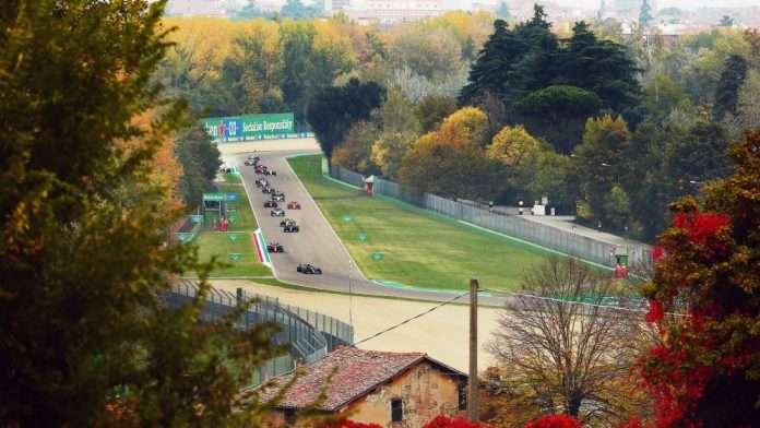 La partenza della passata edizione del GP in Emilia Romagna