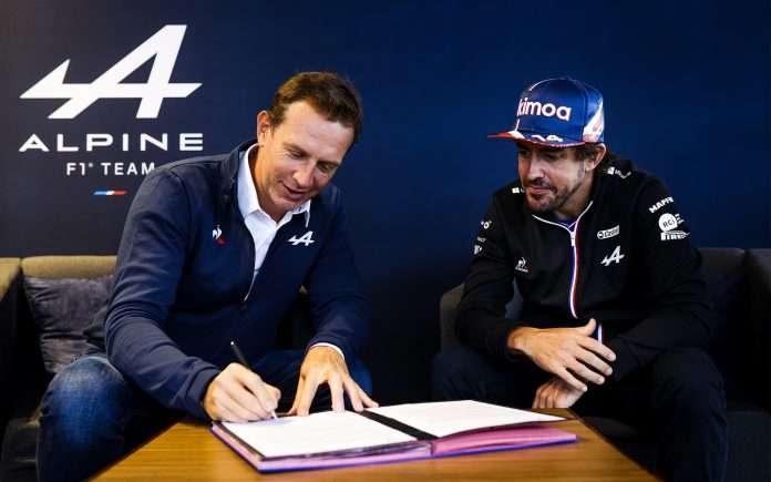 Fernando Alonso con Alpine anche nel 2022