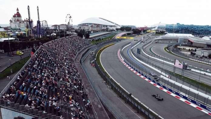 La prima curva del GP di Russia a Sochi