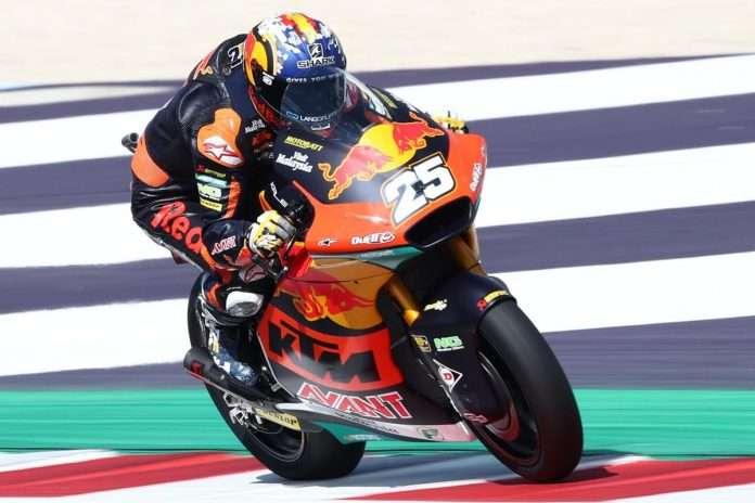 Moto2 | GP San Marino 2021: Raúl Fernández batte Gardner, Canet sul podio